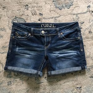 Rue21 medium wash denim blue jean shorts